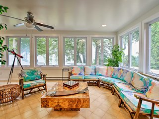 Renovated Home w/Lake Michigan View, Private Beach