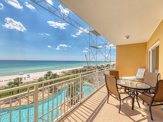 Sizable condo w/ private balcony & gulf views - located right on the beach!