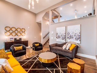 Gatsby by Samsara | Brand New Luxury Townhome | 4 BR + 4.5 BTH | Private Hot Tub