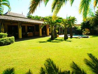 LUXUEUSE villa dans un magnifique domaine