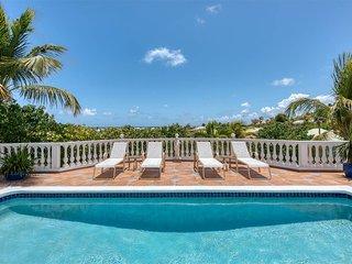 BELLE MER...  lovely villa just an easy 7 min walk to Orient Beach!