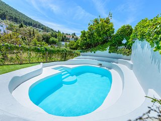 Amazing house with shared pool