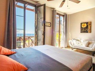 Precioso apartamento de 2 plantas con vistas al mar.