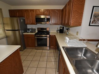 2 Br 2 b Condo at Unv of Notre Dame, Short and long term stays welcome!  ND