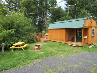 VILLA MARIE Luxury Cabin from our Tiny Cabin Collection Dogs ok