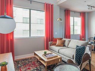 Luxury Biltmore Loft Apt #286 by WanderJaunt