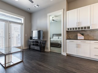 SH-463 . StayOvr at The Star - Luxury One bedroom in Frisco