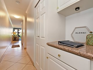 Kamaole Sands 8-203: Spacious and Newly Updated! Across from Kam Beach!