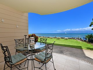 KR 122 - Newly Remodeled One Bedroom Direct Ocean Front