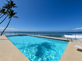 Puamana 153-4 Remodeled 3Bd 2.5 Ba -Only 150 Steps to the Ocean! Sleeps 8