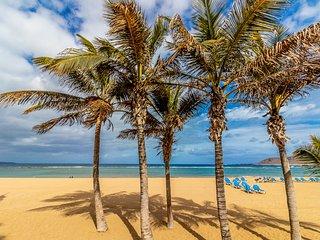 Flatguest Playa de las Canteras - Estudio + WiFi