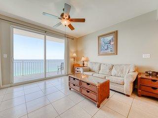Beachfront resort condo w/ amazing view & family pools, hot tub & lazy river!