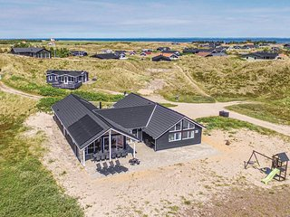Awesome home in Hvide Sande w/ Sauna, WiFi and 7 Bedrooms