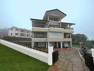 Shawik Villa by Vista Rooms