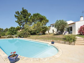 Stunning home in Nimes w/ WiFi and 5 Bedrooms