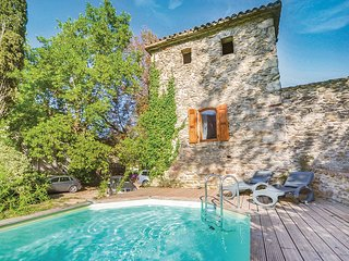 Stunning home in Les Salles du Gardon w/ 2 Bedrooms