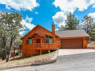Casa Alameda Spacious Ultra Modern 3 BR Moonridge Log Cabin