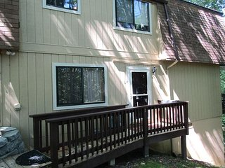 2 Bedroom Condo in Ski Country area.  Rented by Sugar Mountain Lodging Inc.
