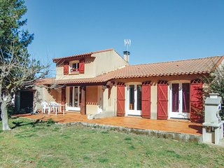 Awesome home in Pinet w/ 3 Bedrooms (FLH265)
