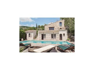 Beautiful home in Seillans w/ WiFi and 4 Bedrooms