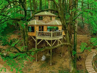 Luxurious Treehouse on the North Devon Coast