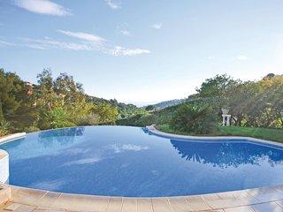 Prachtige villa op verhoogde ligging