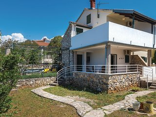 Stunning home in Zaboric w/ WiFi and 4 Bedrooms (CDV707)