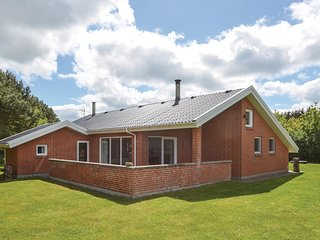 Awesome home in Spottrup w/ Sauna, WiFi and 3 Bedrooms