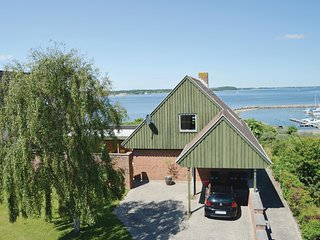 Nice home in Farsø w/ WiFi and 3 Bedrooms (C6319)