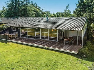 Nice home in Tranekær w/ Sauna, WiFi and 4 Bedrooms