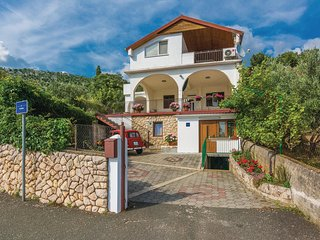 Nice home in Modric w/ WiFi and 1 Bedrooms