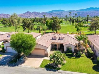 Exclusive Palm Desert Lifestyle - Private Pool/Spa & Golf Course view! Perfect f