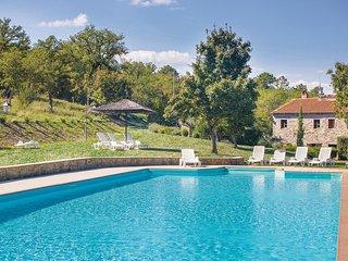 Landhuis tussen de heuvels van Chianti en het Arnodal