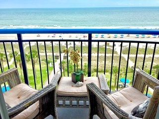 Direct Oceanfront Updated Private 1 Bedroom Suite