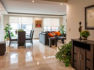 Parque España Luxury Apartment with Balcony
