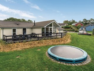 Awesome home in Aabenraa w/ Sauna, WiFi and 4 Bedrooms (F07184)