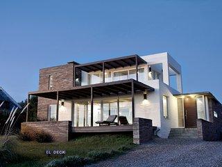 'El Deck' - Espectacular casa frente al mar