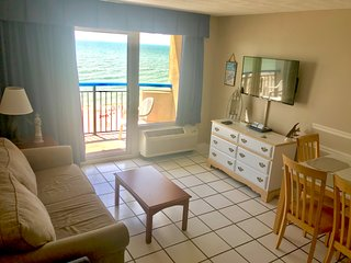 Great Summer Rates, Amazing Oceanfront Suite