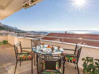 Stunning home in Makarska w/ WiFi and 2 Bedrooms (CDE730)