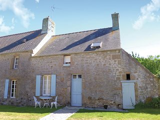 Awesome home in St. Pierre Eglise w/ WiFi and 3 Bedrooms