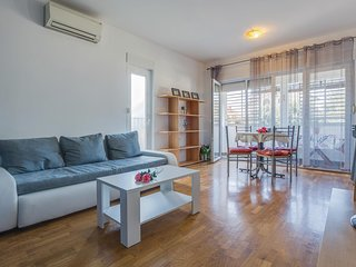 Nice home in Umag w/ WiFi and 1 Bedrooms (CIU584)