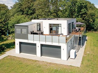 Nice home in Hadsund w/ WiFi and 5 Bedrooms