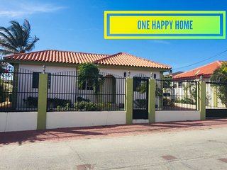 One Happy Home - 10 Mins from the Beach