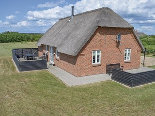 Awesome home in Ulfborg w/ Sauna, WiFi and 4 Bedrooms