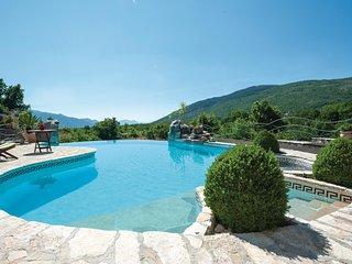 Stijlvol luxe vakantiehuis met zwembad