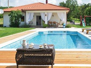 Beautiful home in Gornji Vinjani w/ WiFi and 3 Bedrooms