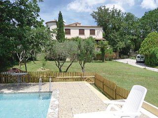 Amazing home in Méjannes-les-Alès w/ Outdoor swimming pool and 4 Bedrooms