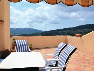 Nice home in La Cadiere d'Azur w/ 3 Bedrooms (FCV845)