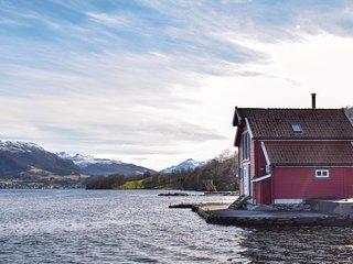Nice home in Ølensvåg w/ 2 Bedrooms (N17167)