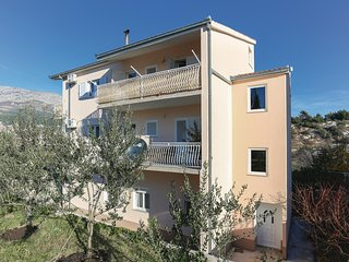 Nice home in Solin w/ WiFi and 2 Bedrooms